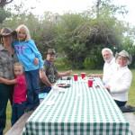 buffet de cena en el rancho de huéspedes