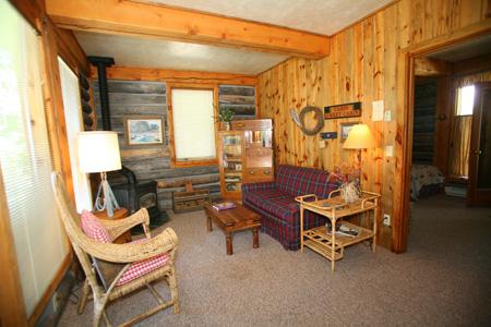 livingroom Suite 9 Riverside Cabin