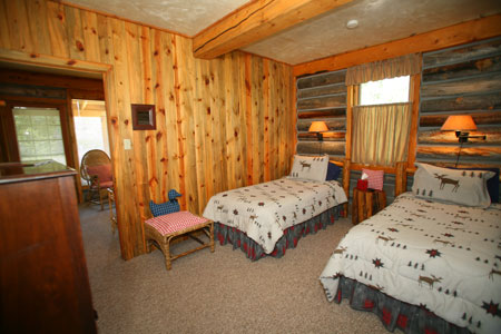 Riverside Cabin twin bed Suite 9