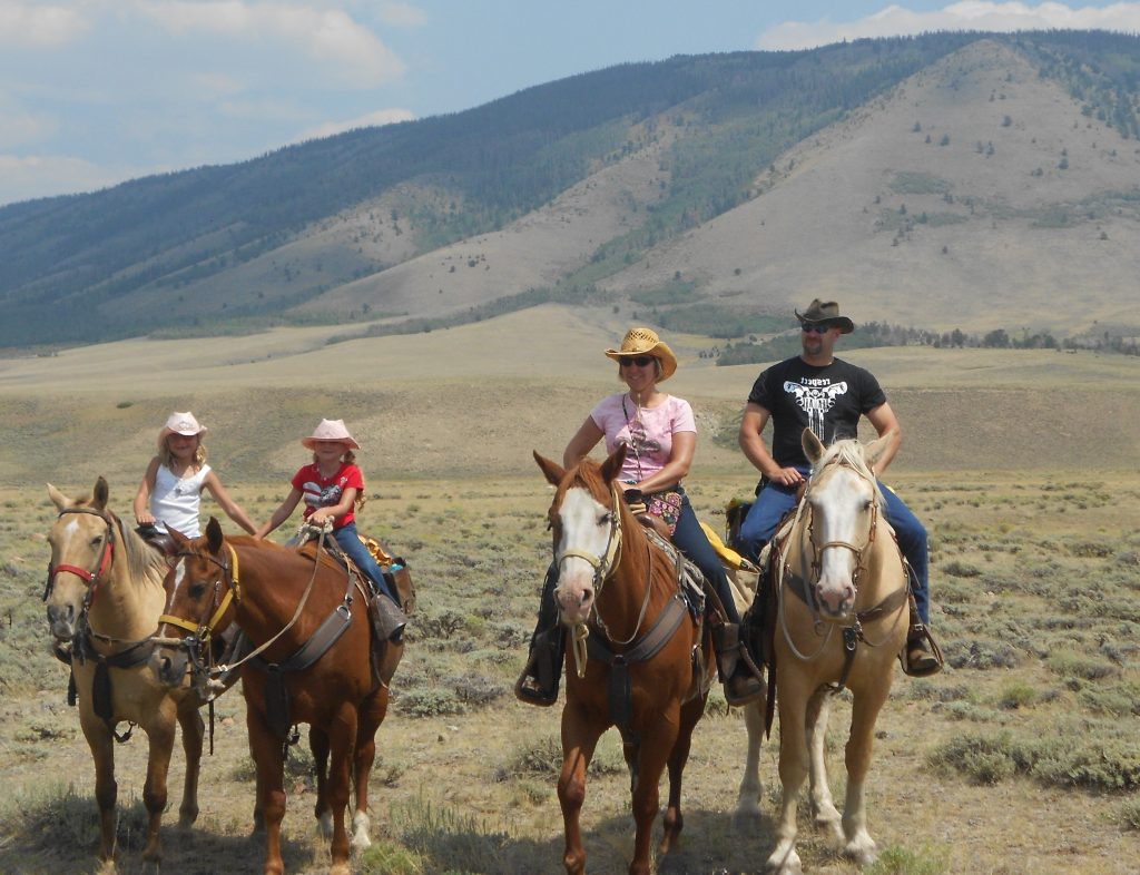 Horseback riding experience Vee Bar Guest and Dude Ranch